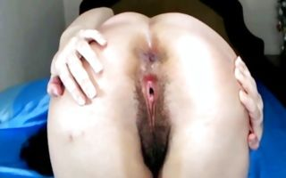 Naughty amateur bitch with big booty fingering juicy beaver