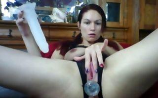Horny brunette fucks both her holes in homemade xxx video